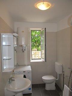 Bathroom, ground floor