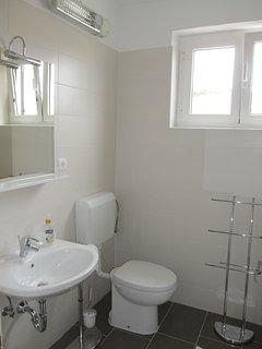 Bathroom, first floor