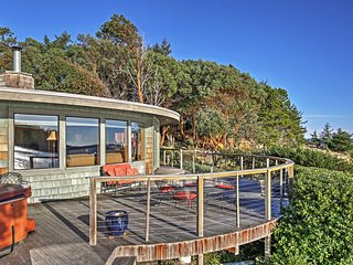 The Round House, 2BR Waterfront Home w/ Bay Views