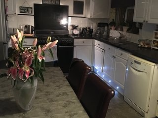 Cosy single room in family house, Brighton