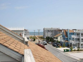 Gorgeous 4BR 4 BA Ocean Block Home with 3 Decks, Ocean View, Free Golf, Water Pa