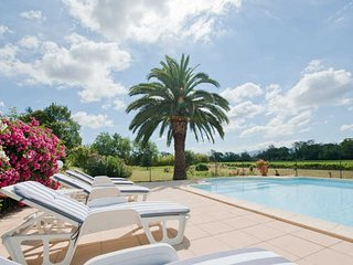 Domaine de l'Horto Carcassonne holidays rental with pool sleeps 10, Marseillette
