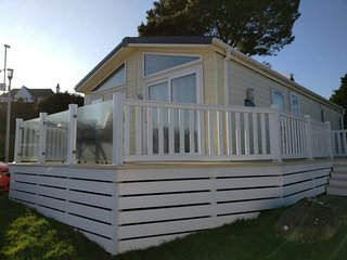 Fabulous luxury holiday lodge with the best views of Torbay and beyond, Paignton