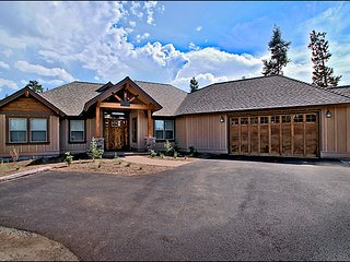 Affordable Luxury in Caldera Springs! Ski Season Special: 4th Night Free!!, Sunriver