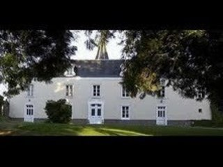 Chateau Holiday Sleeps 9 Lower Normandy.THERE ARE 5 BEDROOMS  [NOT 3]