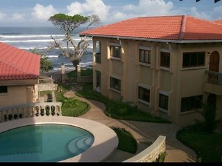 Beach/ Ocean Front Luxurios Villa Paradise Villa Langosta #3 directly on beach