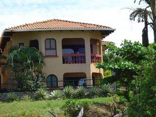 Beach/ Ocean Front Luxurios Villa Paradise Villa Langosta #3 directly on beach