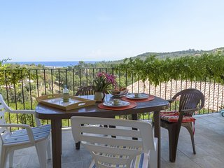 House - 400 m from the beach, Favone