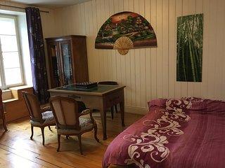 Belle chambre avec petite terrasse prés du lac, Auvernier
