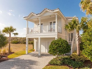 Gorgeous Golf and Lake View Home at Cinnamon Beach! Short walk to the beach!, Palm Coast