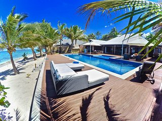 Villa Mokusiga Private Beachfront Villa with Chef options