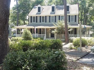 Trendy Cottage for the Outdoor Enthusiast...at Wachesaw Plantation * Beach 3 Mi