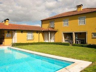 Property located at Ponte de Lima, Cossourado