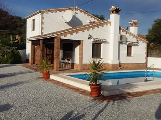 Spacious detached villa with private floodlit pool, Los Romanes