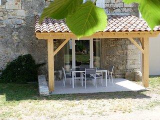 Gîte de caractère dans Bastide entièrement rénovée (Thines), Casteljau