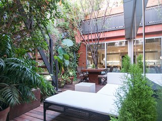 ArtLifeBCN Unique Apartment With Garden Patio, Pool And Parking, Barcellona