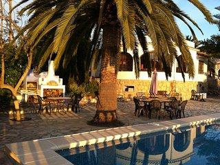 """Casa """"Jules Cesar"""" Villa  piscine5/10 privee, 8P situee entre Benissa et Moraira"""