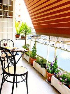 Terrazzo con tavolino