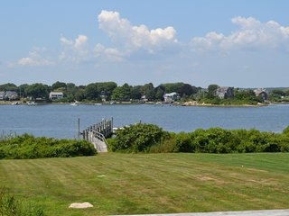 Waterfront - Bluff Hill Cove Cottage, Narragansett