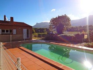 Villa 3 chambres piscine face Sainte Victoire tout confort, Trets