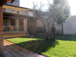 Costabravapartment Cal Ros private elevated pool. 20 mins  Costa Brava beaches.