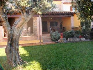 Casa Rural Cal Ros, Calabuig. 20 mins to the Costa Brava beaches.