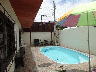 Parte térrea de um sobrado - Com piscina - Local seguro e tranquilo!, Itapema