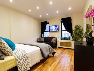 AVERY Amazing Upper East Side Studio - ALL NEW!