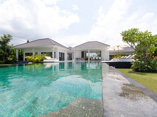 Villa Mathan - Bali - New modern beach villa
