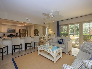 1654 Bluff Villa-Beautiful first floor villa-Quick walk to beach & marina