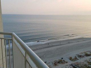 Luxury 15th Floor Ocean View King Suite-Carolinian Resort, Myrtle Beach