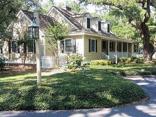 """Hidden Oaks"" Cottage in Quiet Community. Newly Renovated w/New Furnishings., Murrells Inlet"
