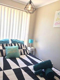Sheridan luxury linen, ceiling fan, electric blanket, mattress protector, lamps, full length mirror.