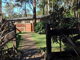 Mistinthegumtrees Eco Cabins  ( Whistlestop )