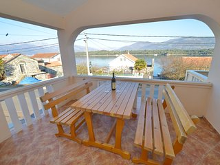 Apartments Jokic - One-Bedroom Apartment with Balcony and Sea View 1