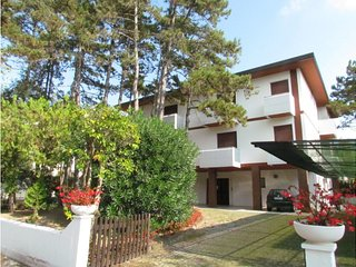 Two bedroom apartment near the beach!