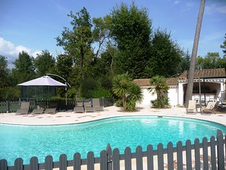 Gorgeous villa apartment with pool, walking distance from Valbonne