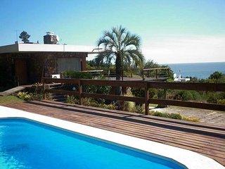 Alquiler casa con pileta en Punta Ballena