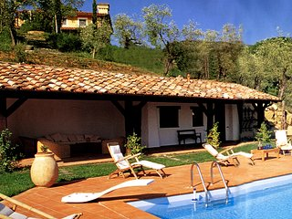 CHARMING VILLA with outstanding view on Alpi Apuane and amazing swimmingpool, Fivizzano