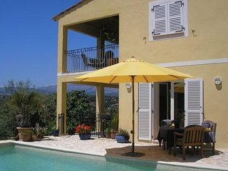 L'Amuse du Paradis : Luxuous appartment (6 people) with heated pool & nice views