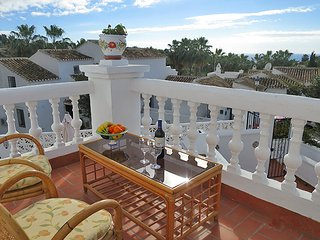 Nice Modern 2 bedroom Apartment in Nerja, Oasis de Capistrano