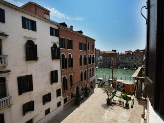 Posh bright house in the heart of Romantic Venice, Venetië
