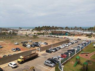 Apartamento com varanda  frente ao mar em condomínio de luxo na Praia do Futuro