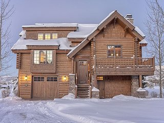 Teton Springs Luxury Log Home. 4 bedrooms/4.5 baths. Close to Jackson Hole!