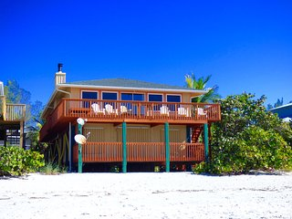 Sophie's Beach House on Little Gasparilla Island: The perfect beachfront retreat