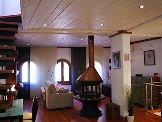 Amplio y confortable ático duplex con terraza privada