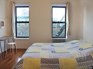 1BR apt in perfect LES location
