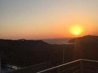 SAN JUAN DEL SUR , VISTAS de MIRAMAR ,  Casa con Preciosa vista a Bahia Nacascol