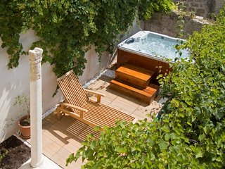 Charming stone villa in Hvar city centre