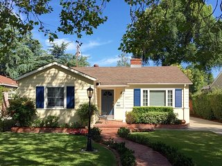 Cute 2bd Rose Garden House in the Heart of Silicon Valley